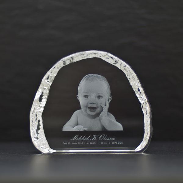 Isbjergformet glasblok